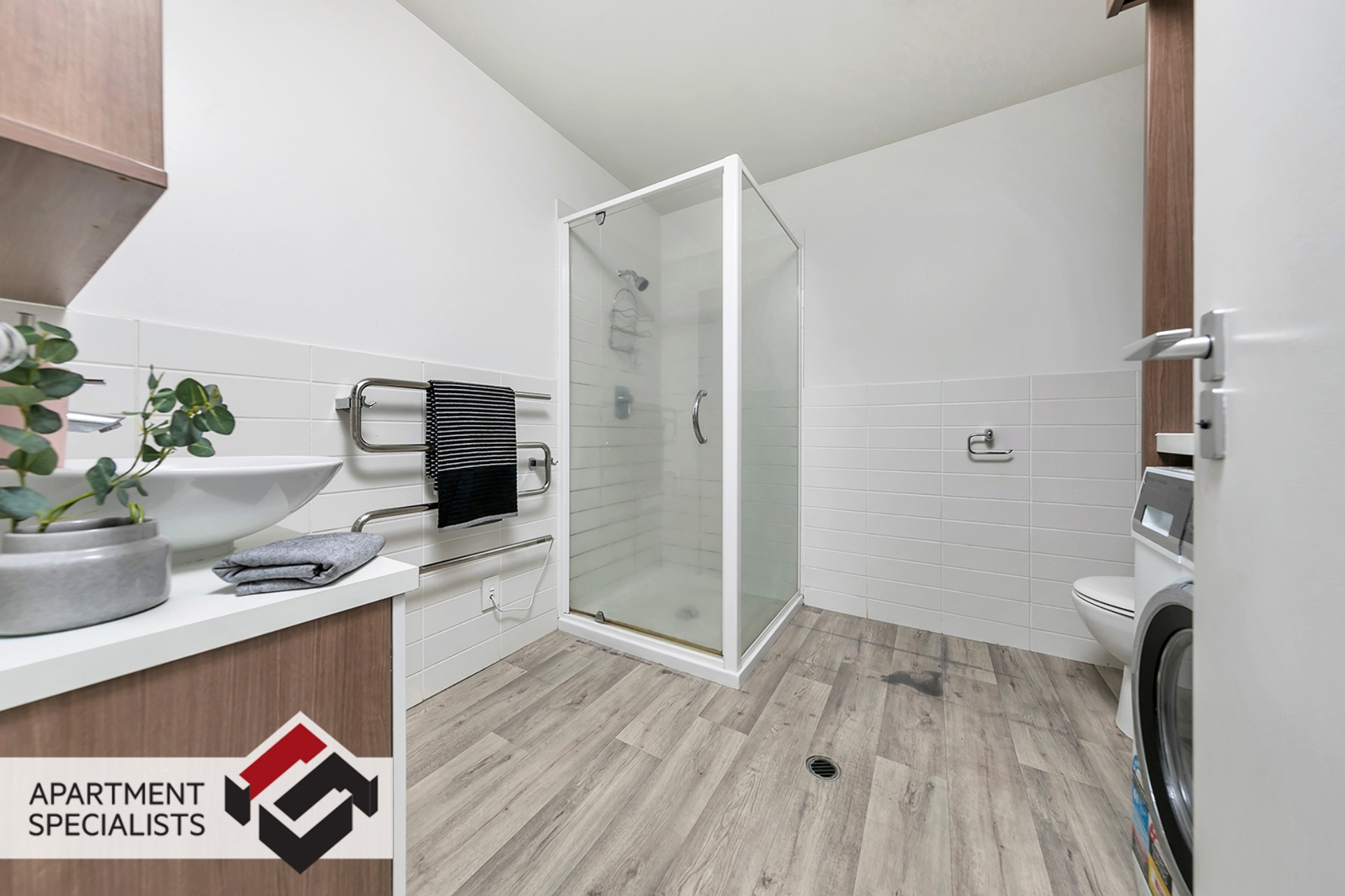 12 | 85 Beach Road, City Centre | Apartment Specialists