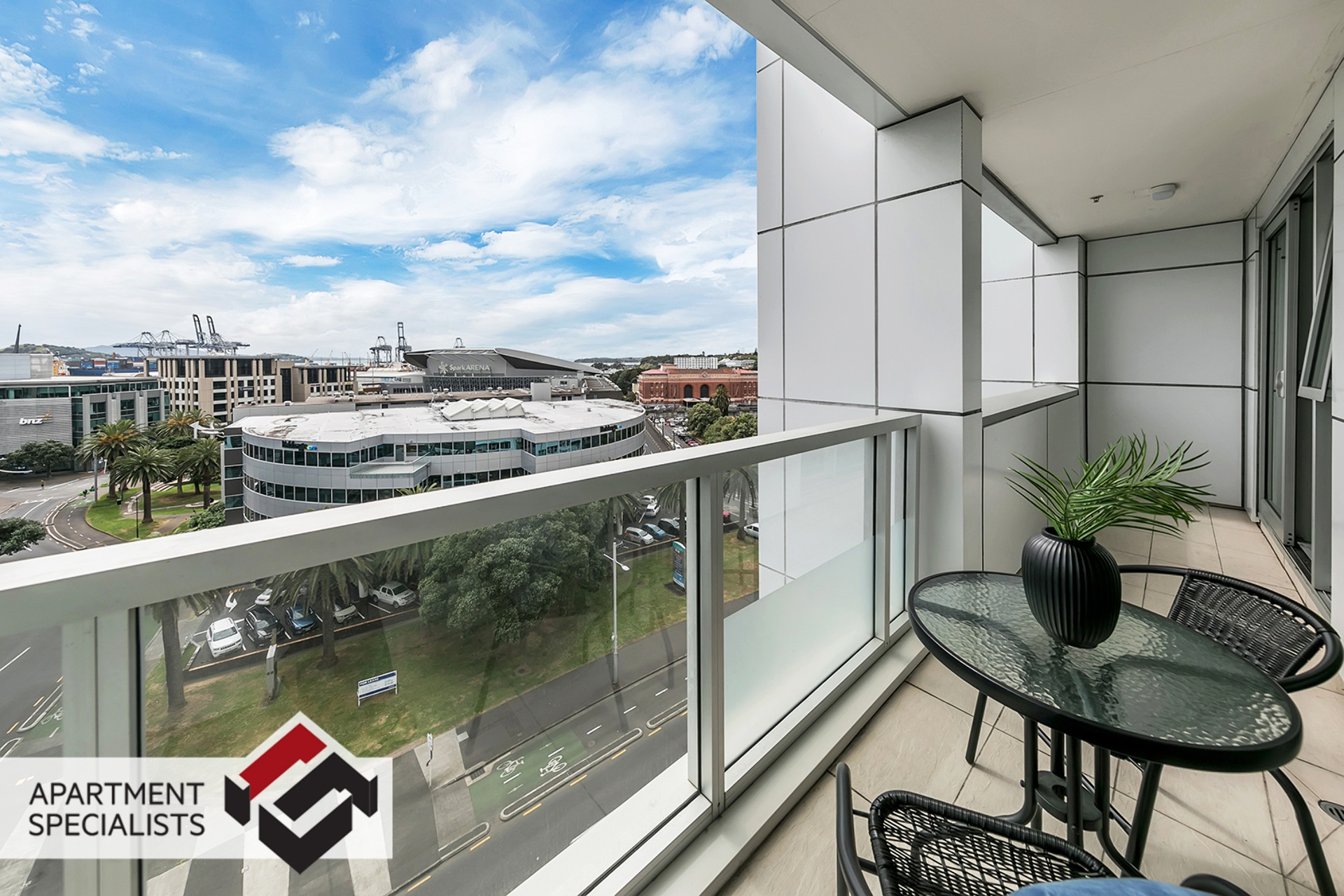 5 | 85 Beach Road, City Centre | Apartment Specialists